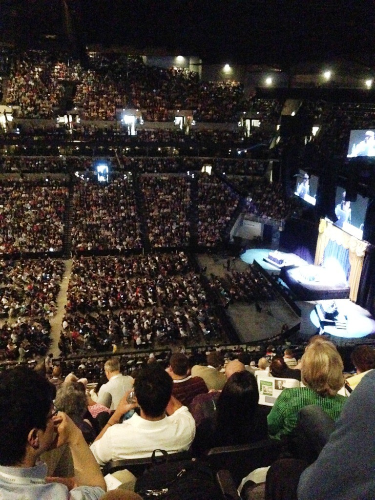 The huge crowd packed into a sports stadium listening to 6 hours of Q&A with Charlie Munger and Warren Buffett  and no Ed Sheeran